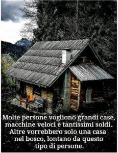 Molte persone vogliono grandi case, macchine veloci..